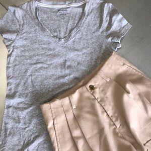 H&M khaki pleated shorts 2+ FREE grey t-shirt S